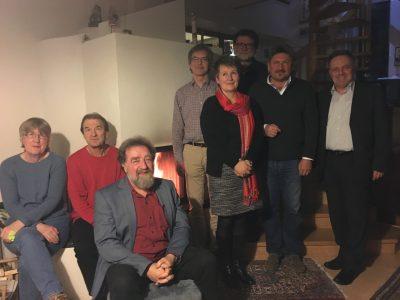 Die Anwesenden beim jährlichen Kamintreffen des Ortsverbandes Schopfheim von Bündnis 90/Die Grünen.