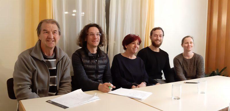 Die anwesenden Gemeinderatskandidatinnen und -kandiaten von links nach rechts (Listenplatz): Ehrenfried Barnet (6), Sebastian Prigge (5), Elke Rupprecht (3), Felix Straub (2), Marianne Merschhemke (1)