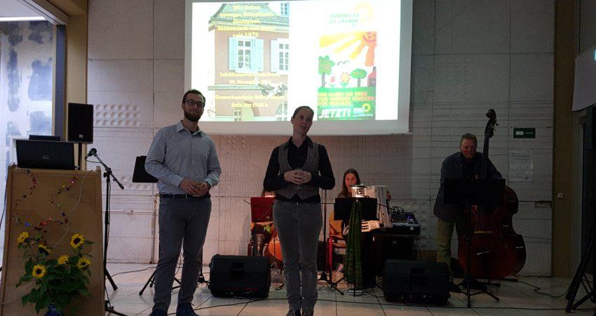 Felix Straub und Marianne Merschhemke moderieren das Jubiläum 40 Jahre Grüne Schopfheim